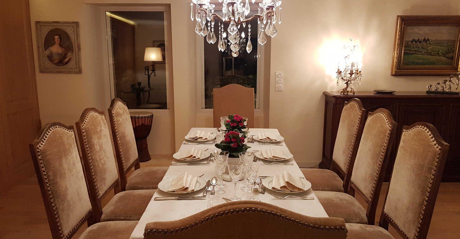 Au_Clos_de_Mathilde_Chambre_d_hotes_Sarlat_Piscine_diner_table_d_hotes