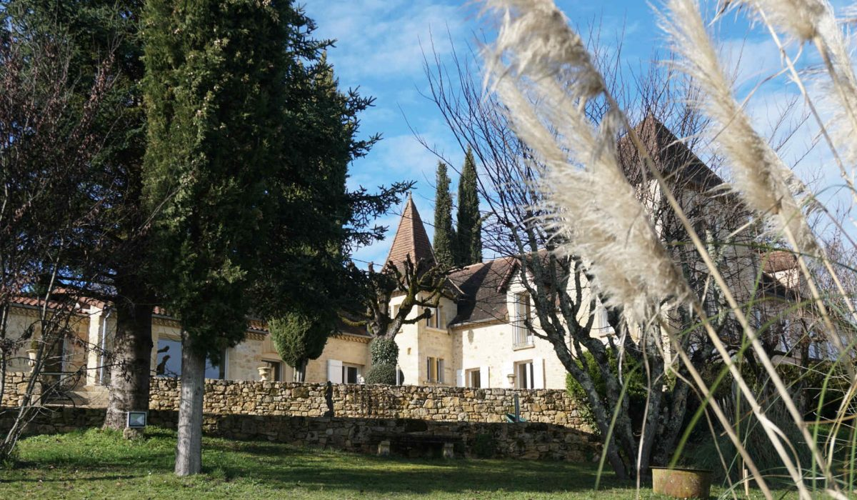 Au_Clos_de_Mathilde_Chambre_d_hotes_Sarlat_Piscine_jardin_vue_d_ensemble_12